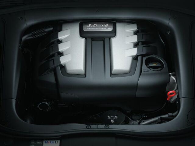 File:Porsche-Cayenne-Diesel-5audiengine.jpg