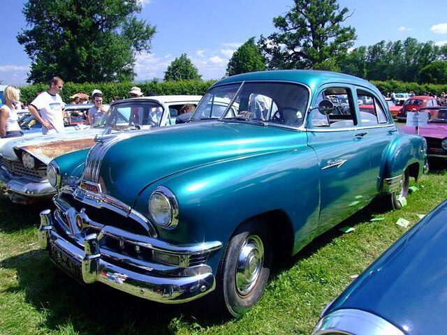 File:Pontiac Chieftain 1952.jpg