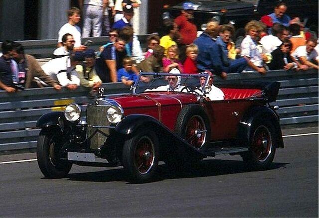 File:Brauchitsch, Manfred von - 1986 im Mercedes-Benz K.jpg