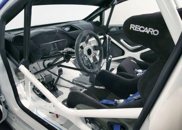 File:Ford-Fiesta RS WRC 2011 1280x960 wallpaper 0b.jpg