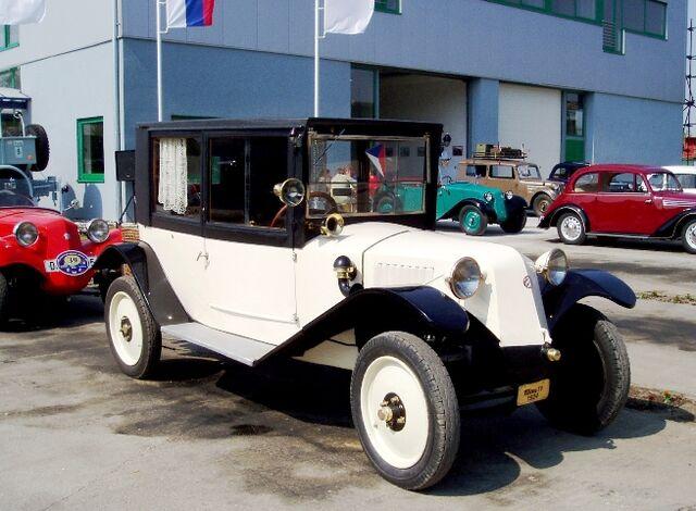 File:Tatra T11.jpg