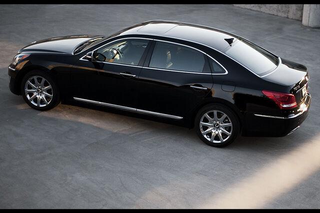 File:2011-Hyundai-Equus-28.jpg