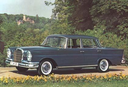 File:Mercedes-Benz W110 Heckflosse 1.jpg