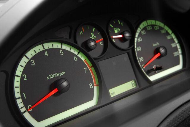 File:2009-Holden-Barina-5.jpg