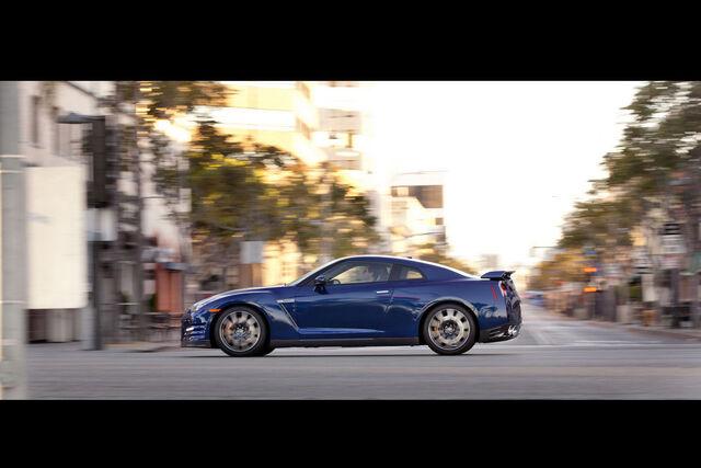 File:2012-Nissan0GT-R-126.JPG