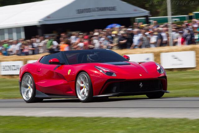 File:2014-Ferrari-F12-TRS-10.jpg