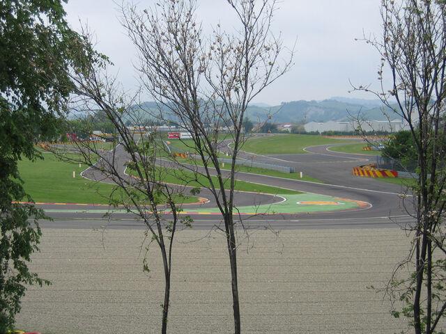 File:Fiorano roadside.jpg