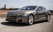 2015-tesla-model-s-70d-instrumented-test-review-car-and-driver-photo-658384-s-450x274
