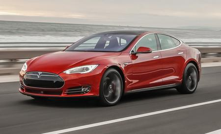 File:2015-tesla-model-s-p85d-first-drive-review-car-and-driver-photo-648964-s-450x274.jpg