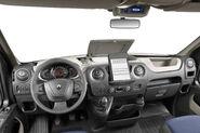 2011-Renault-Master-16