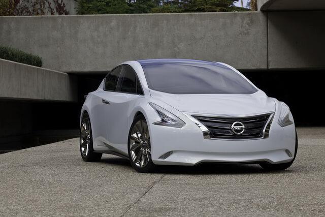 File:Nissan-Ellure-7.JPG