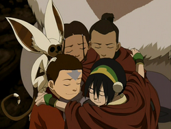 Team Avatar group hug.png