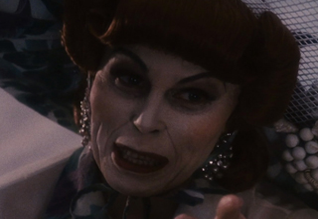 File:Joanna Lumley as Aunt Spiker.jpg