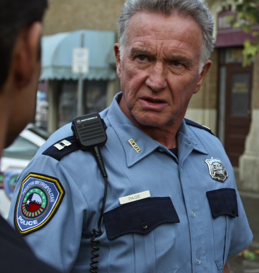 File:Tom Butler as Police Captain.jpg
