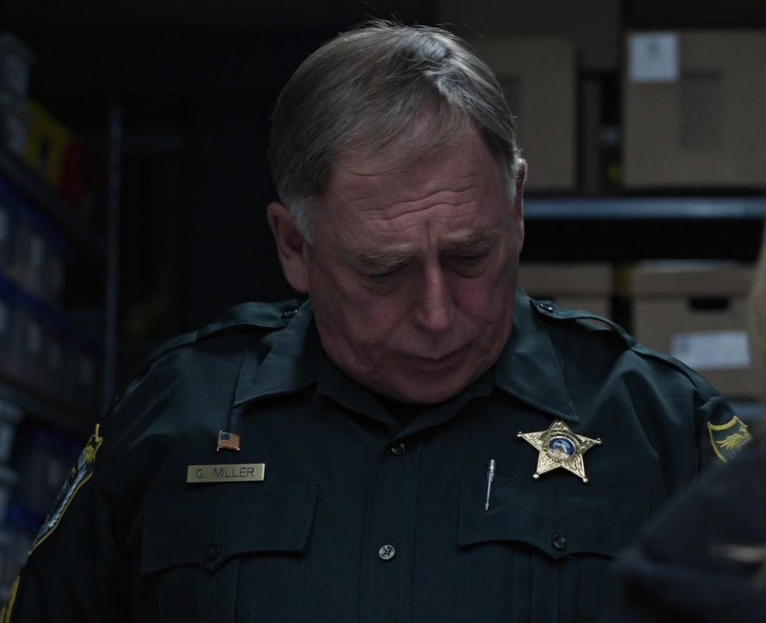 File:Garry Chalk as Jail Desk Jockey.jpg