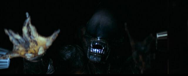 File:The Alien reaching for Dallas.jpg