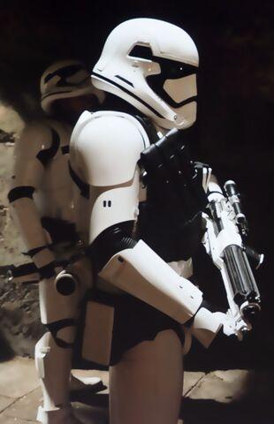 File:Heavy-Trooper.jpg