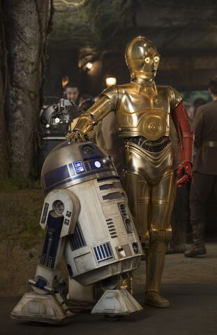 File:R2-D2 C-3PO Resistance base.jpg