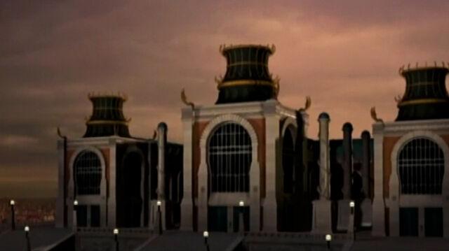 File:Royal Palace.jpg