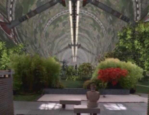 File:Delenn in the Garden.JPG