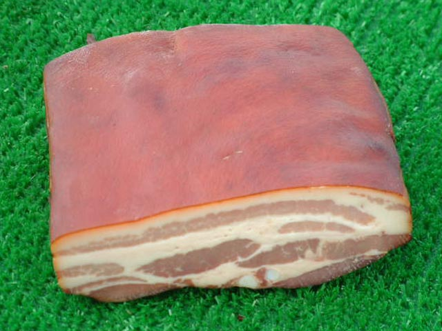 File:Streaky-triple-smoked-bacon.jpg