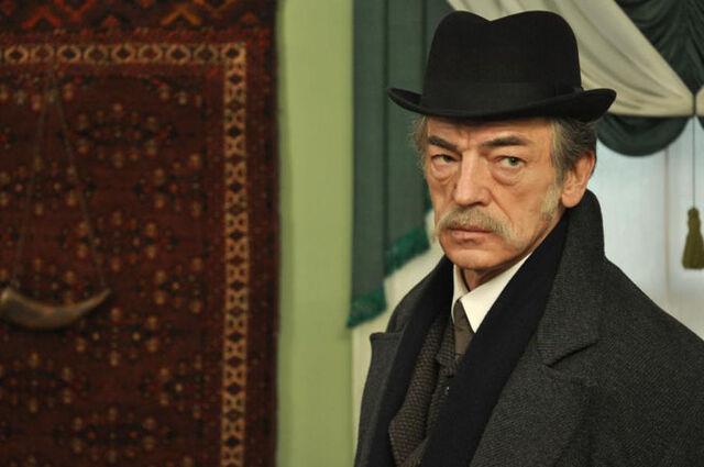 File:Inspector Lestrade (Boyarsky).jpg