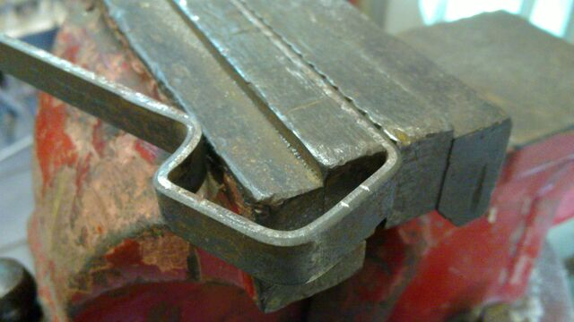 File:Making Iriarte-style cheiroballistra handle - 11.jpg