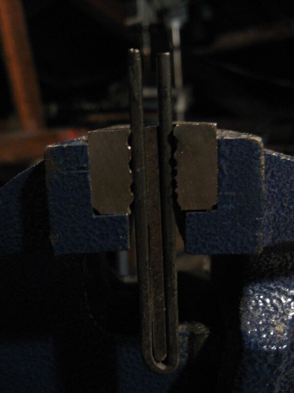 Making T-clamps - 02