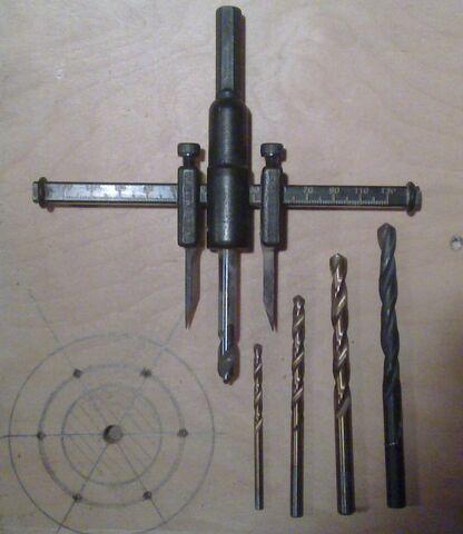 File:Making washer rim hole template - 02.jpg