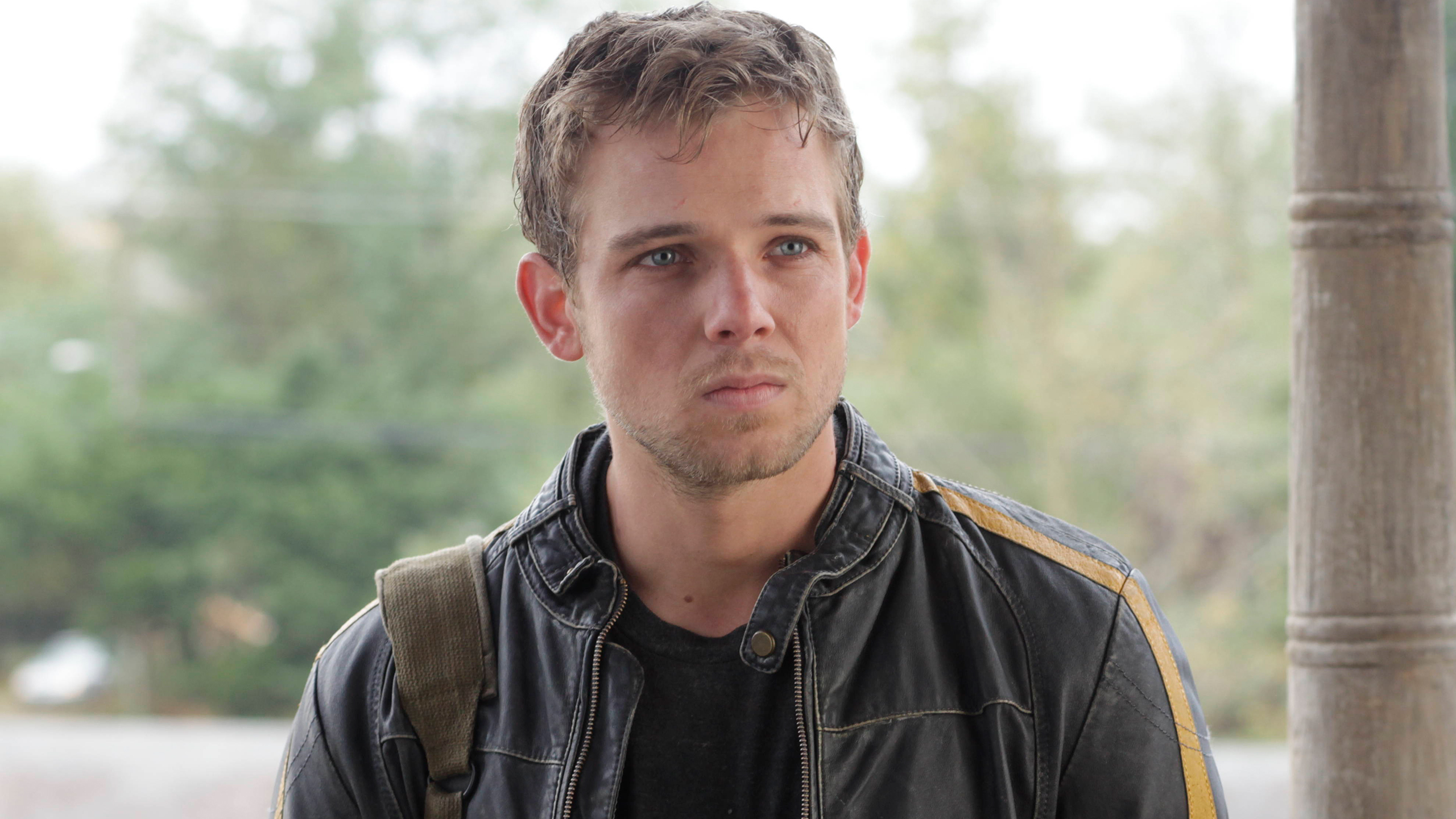 File:01-max-thieriot-as-dylan-massett.jpg