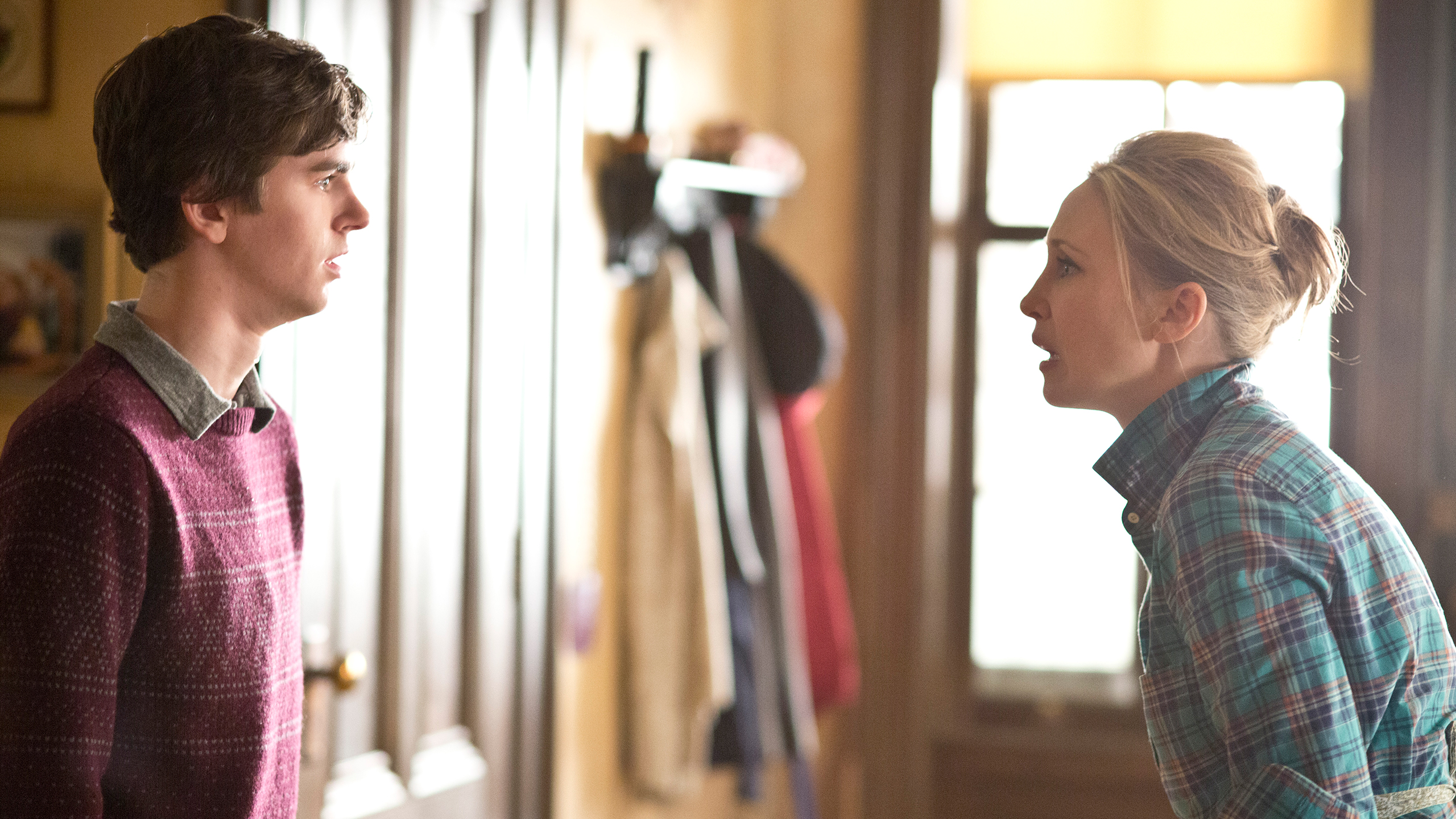 File:11-norman-confesses-to-norma.jpg