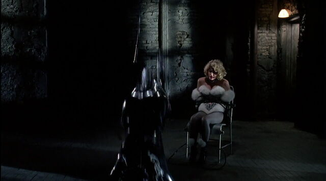 File:Batman-returns-disneyscreencaps.com-8872.jpg