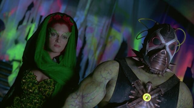 File:Poisonivyarrives.jpg