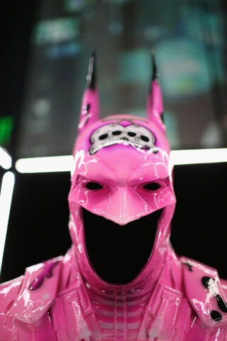 File:SDCC2014-Batman-Cape-Cowl create Art Exhibit 452635892.jpg