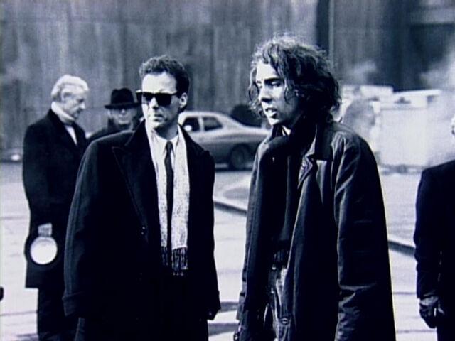 File:Keaton and Burton backstage 9.jpg