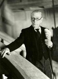 Alfred Pennyworth in Batman Forever