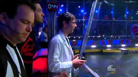 BattleBots 2015 - Wrecks vs Plan X