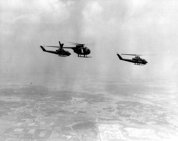 File:OH-6 & HueyCobra.jpg