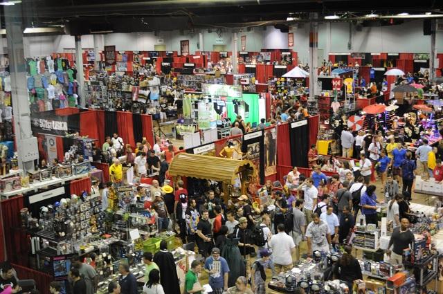 File:Chicago Comic Con 2.jpg