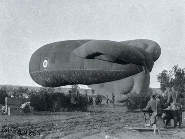 File:WW1 British Spotter Balloon.jpg