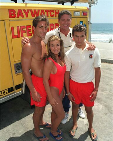 File:Baywatch cast 40198l.jpg