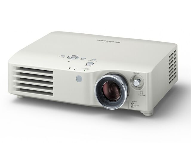 Datei:Panasonic PT AX100 Bild 01.jpg