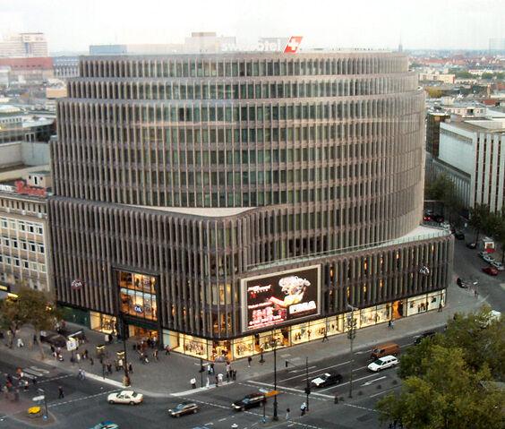 Datei:Swissôtel Berlin.jpg