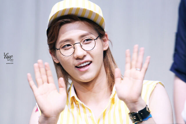 File:Photos-b1a4-cnu-at-e2809cwhat s-going-one2809d-fansign-in-daejeon-4.jpg