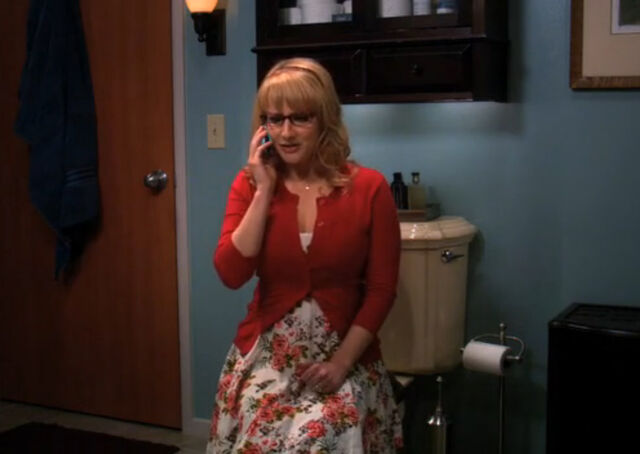 File:Bernadette phone amy.jpg