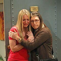 Amy comforts her heartbroken Bestie.