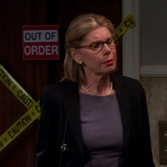Leonard's mother, Dr. Beverly Hofstadter.