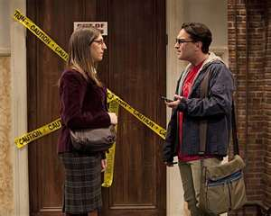 File:Amy and leonard on the rumor.jpg