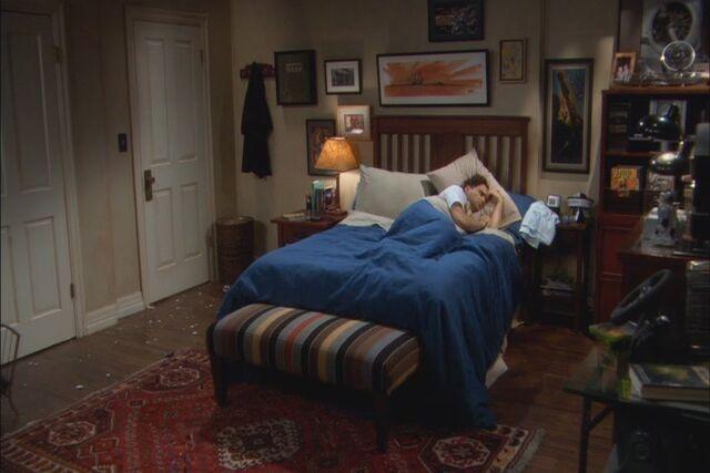 File:S01E10 - broad shot.jpg