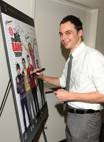 File:2010 Emmy Jim Parsons4.jpg